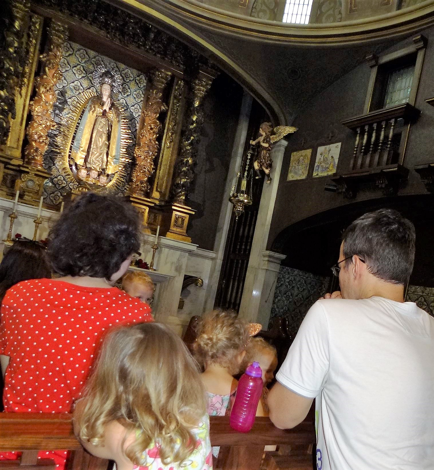 djecu u crkvu