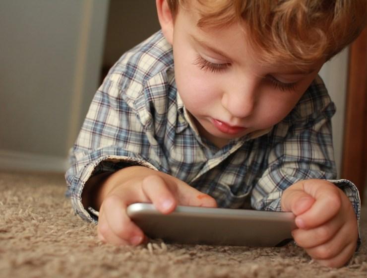 Kako odviknuti djecu od ekrana
