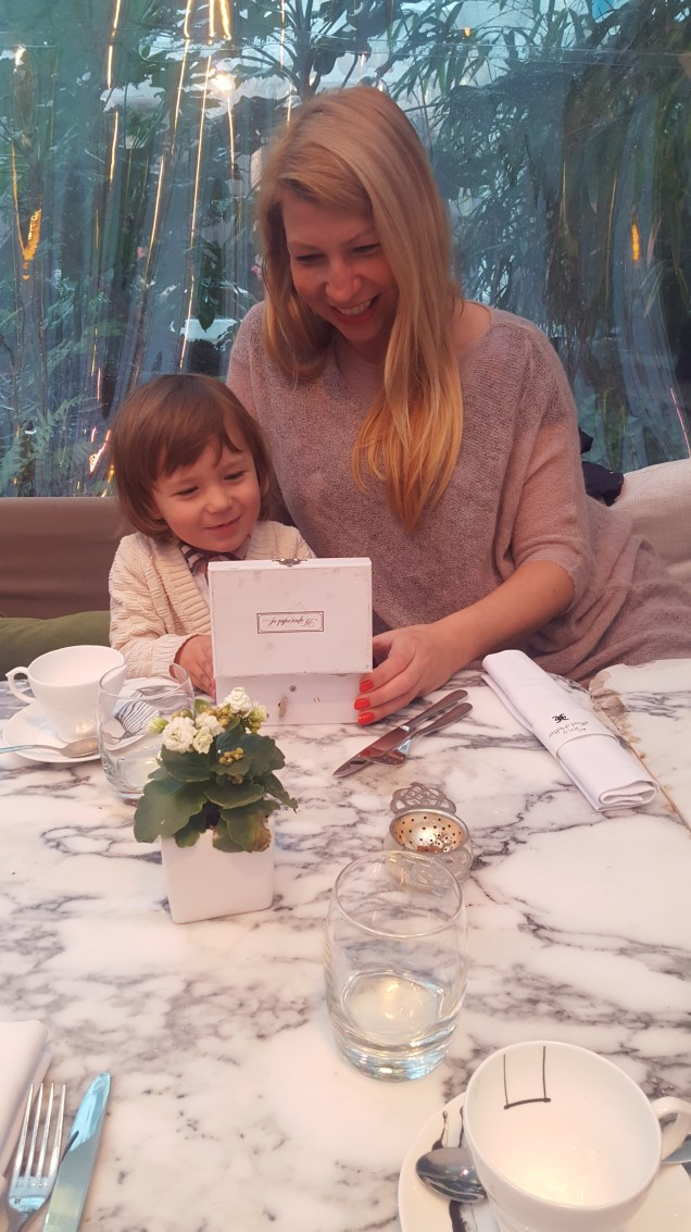 Easter activities for kids in London : tea at Sanderson