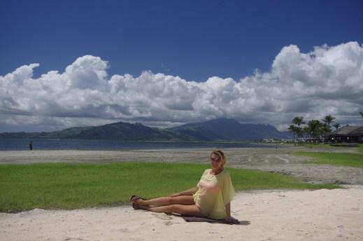 Babymoon in Fiji - relaxing on the beacj
