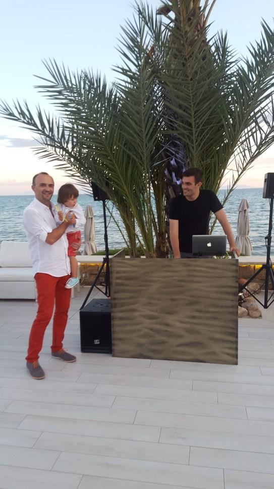 Sani with kids: DJ@Ammos