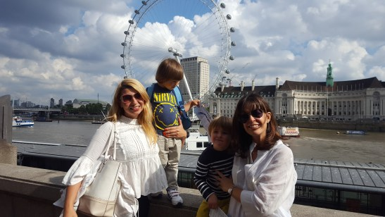Summer Family daysout London : cruising on Thames