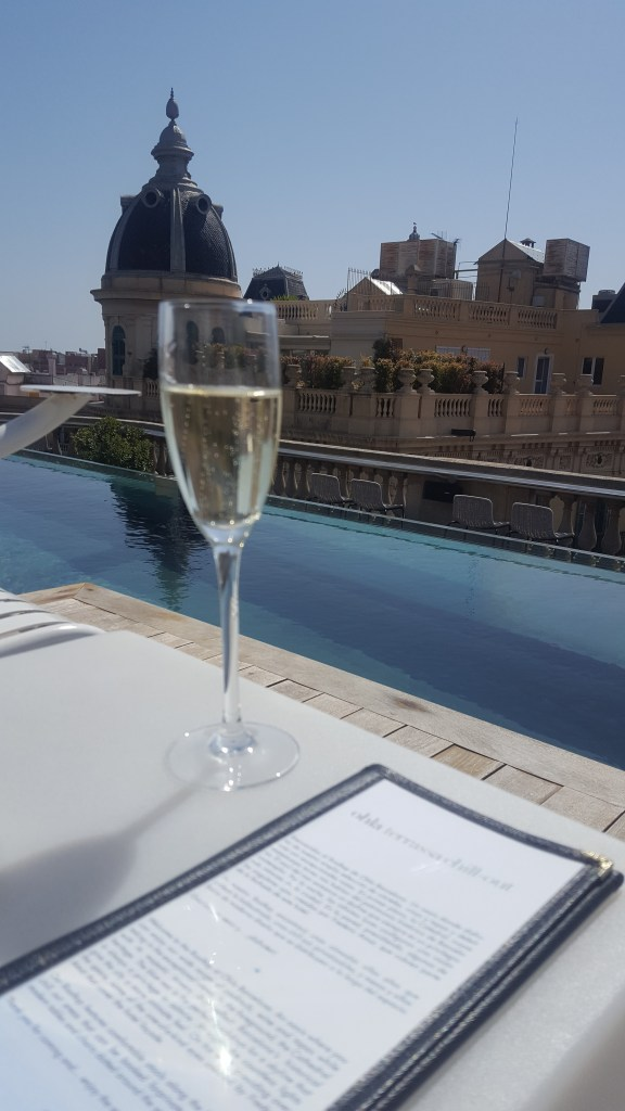 Fun things to do in Barcelona - Ohla rooftop pool