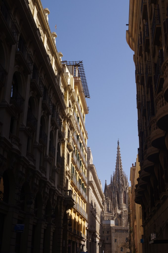 Things to see and do in Barcelona: get lost in Barrio gotico