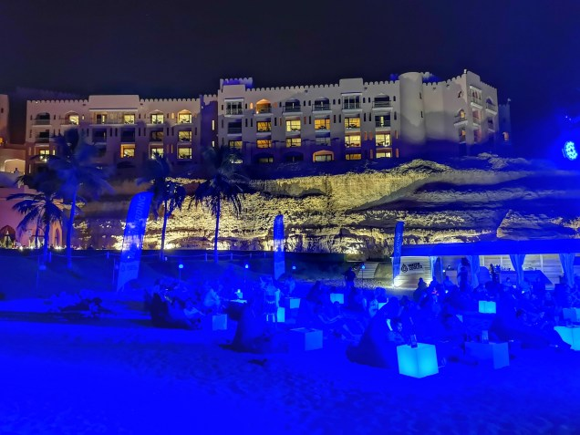 Shangri La Muscat by night: campfire & live concerts by the beach