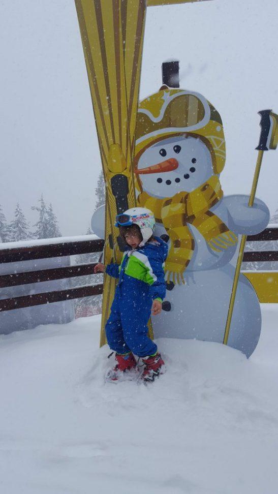 White Christmas theatre : Snowman