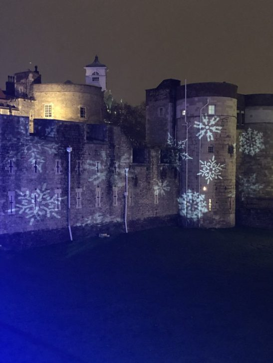 Tower of London moat : ice rink