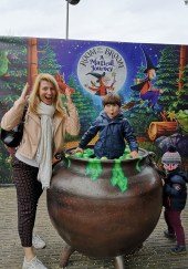 Chessington for kids - Room on the broom