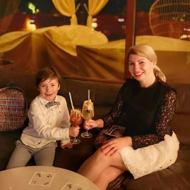 Kempinski with kids - Black Rose bar