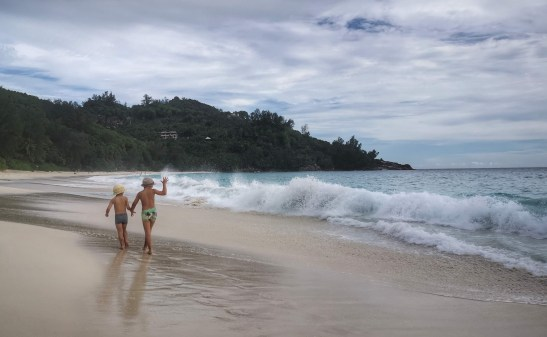 intendance beach Seychelles with kids