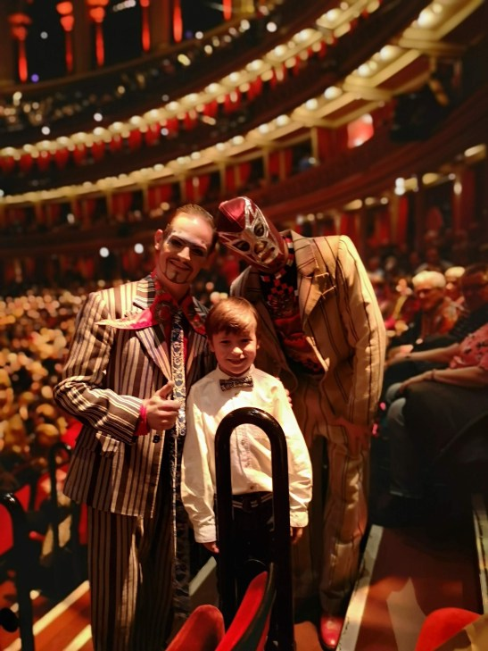 Mexico in London at RAH: Luzia with kids