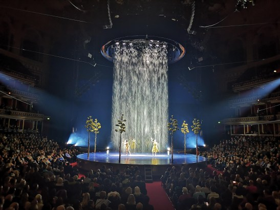 Waterfalls on Royal Albert Hall stage : Luzia
