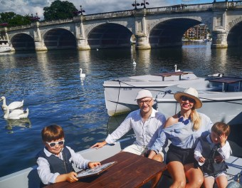 Birthday picnics and bubbles by the river with Go Boat London