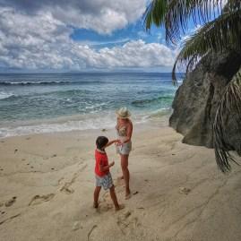 Silhoute island trekking: Anse Lascars and Anse Patates