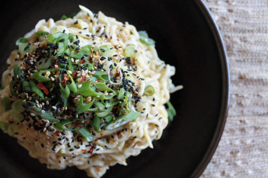 paleo sesame zucchini noodles
