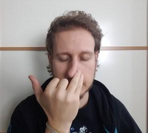respiration alternée une main annulaire narine gauche