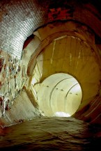This smaller tunnel brings water under I-35. (Image: substreet.org)