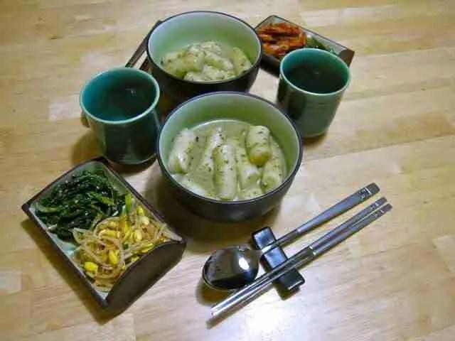 The Second Day of Tteokbokki: Thai Green Curry Tteokbokki