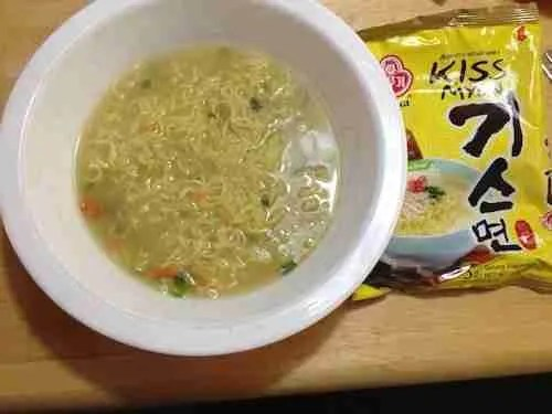 Review: Something's fishy with Kiss-myun Spicy Chicken Ramyeon