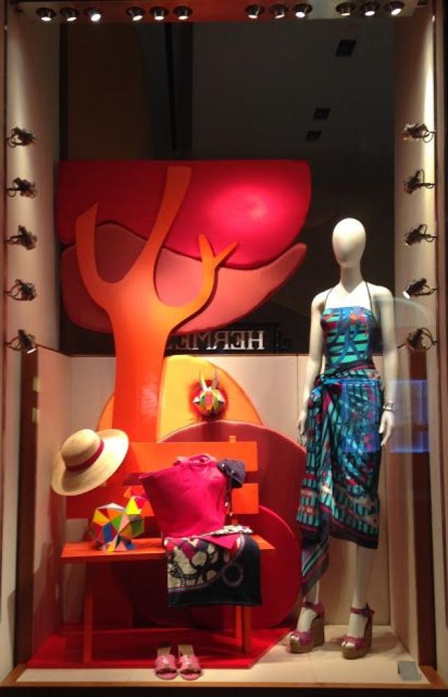 Visual Merchandising Amp Window Display Ideas From Italy Zen