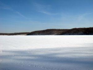 Frozen Lake Monroe-Jan 2009