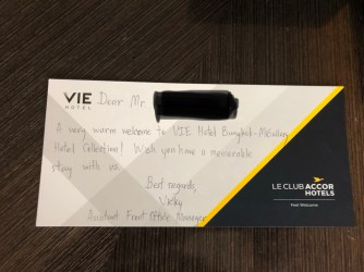 A hand written personalised welcome card in the suite