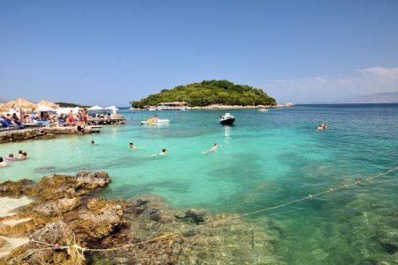 Irlandezët zgjedhin bregdetin e Jugut për pushime