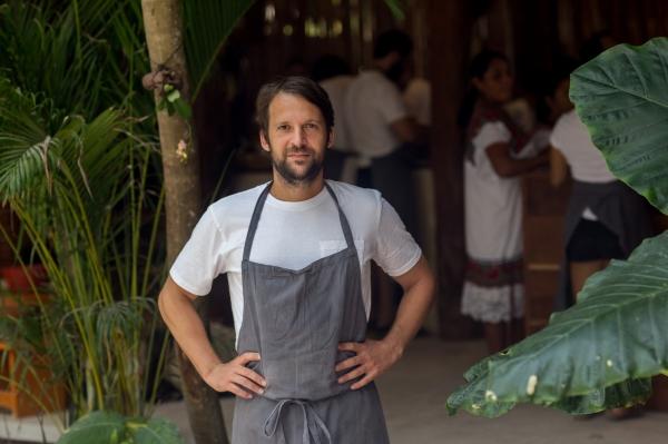 """Shkrimi i """"Washington Post"""", njihuni me kuzhinierin shqiptar që ka hapur restorant në xhungël"""