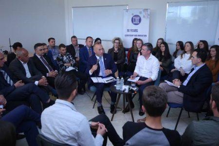 Haradinaj nuk ndryshon qëndrim: Kufiri është në Çakorr