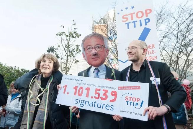 TTIP: Comissão Europeia ultrapassa a linha vermelha estabelecida pelo Parlamento