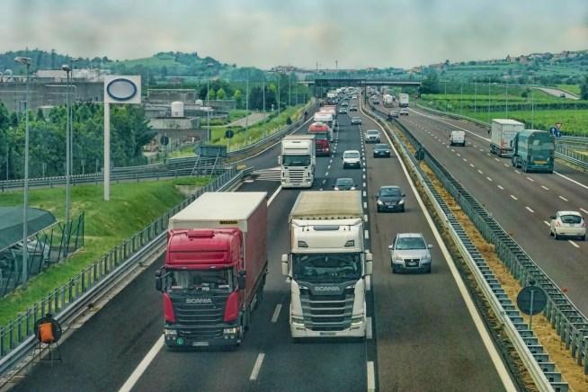 ZERO exige que Governo deixe de incentivar o GNL como alternativa e promova aquisição de camiões elétricos