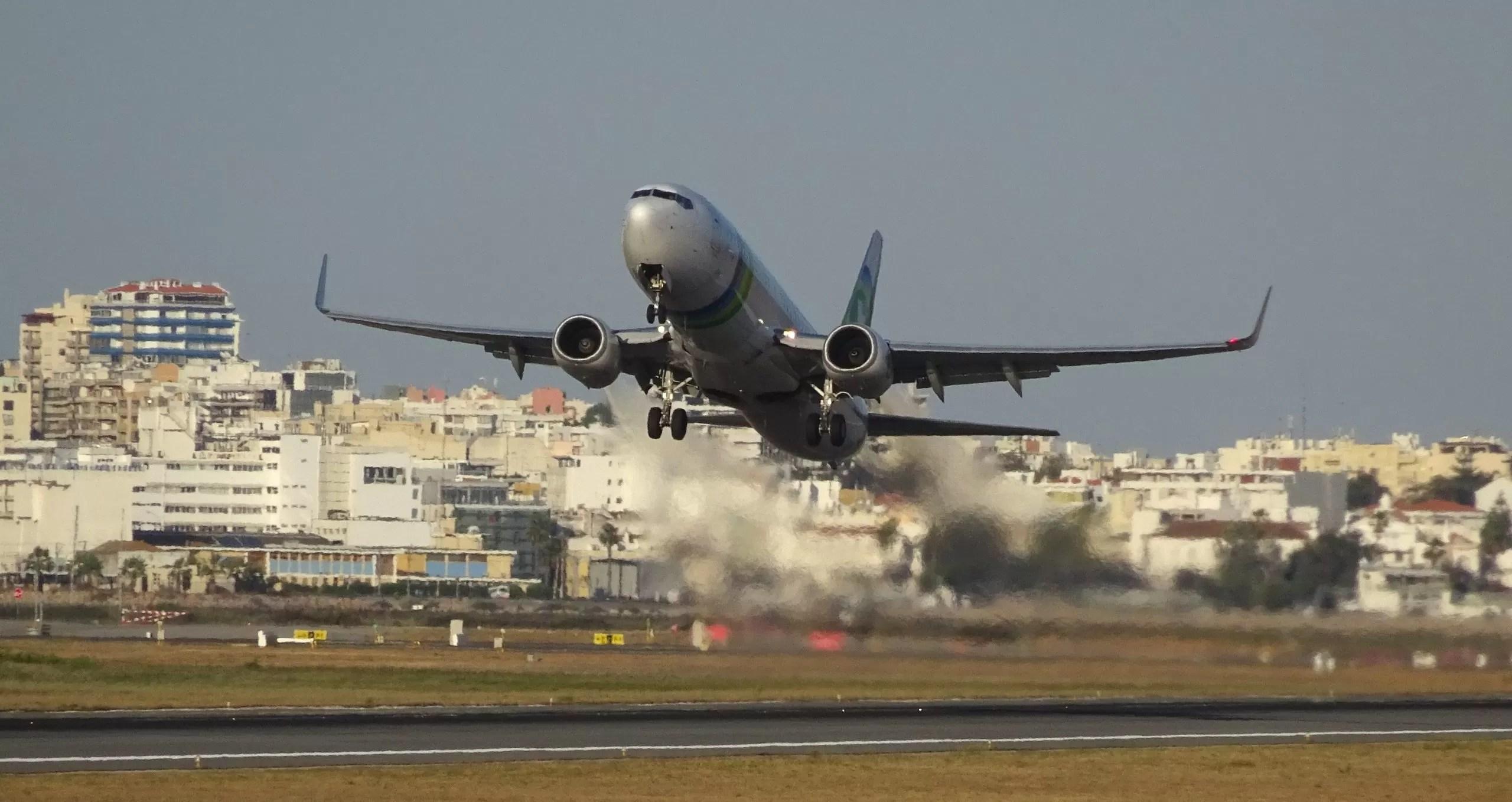 Airport Tracker