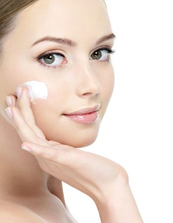 Best Daily Skin Care Routine Steps to Follow at Home
