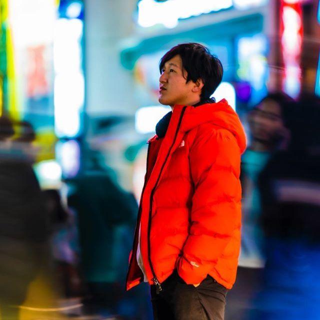 本日はメンバー紹介です。髙津健裕(32)愛知県出身 『動画制作でお悩みの方、ご相談下さい。特に照明に関してはプロフェッショナルなのでお力になれると思います』お問い合わせはプロフィールのリンクからお願いします。.#撮影#動画#動画制作#映像制作#東京#動画編集#ZEROFILM#企業pr動画#プロモーションビデオ#映画制作#ビデオグラファー#照明 #videography#自己紹介 #スローシャッター #α7iii #プロフィール写真