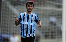 Tirone: Temos interesse, mas Douglas quer jogar no Grêmio ou no Corinthians Mauro Vieira/Agencia RBS