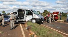 Colisão entre van de secretaria de Saúde e Kombi mata três pessoas e deixa seis feridos no Noroeste Carlos Roberto Grün/Especial