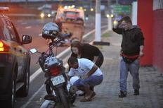 Acidente com motos causa duas mortes na BR-116, em Canoas Bruno Alencastro/Agencia RBS