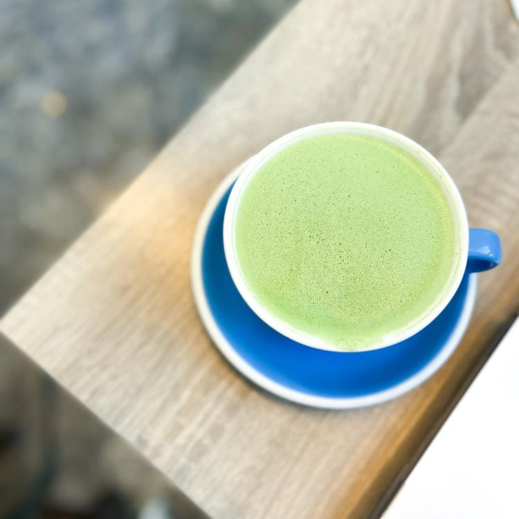 Bluestone Matcha Reusable Cup In Cafe
