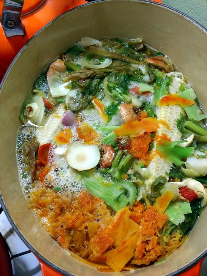simmering vegetable broth