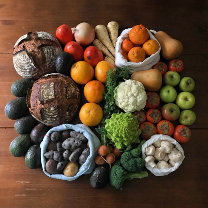 plastic free farmers market produce and sourdough bread