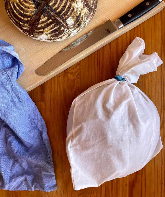 How to Store and Keep Bread Fresh Without Single-Use Plastic