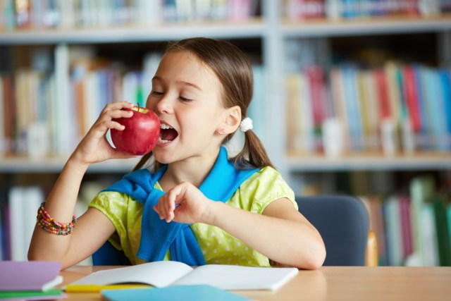 How to Give the Best Nutrition to Your Child