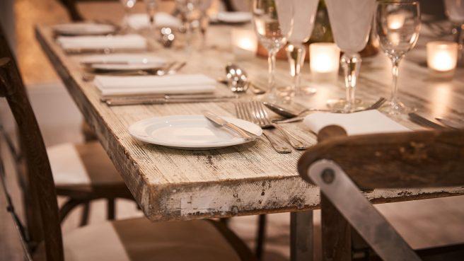 3.White-Wash-Table-Detail
