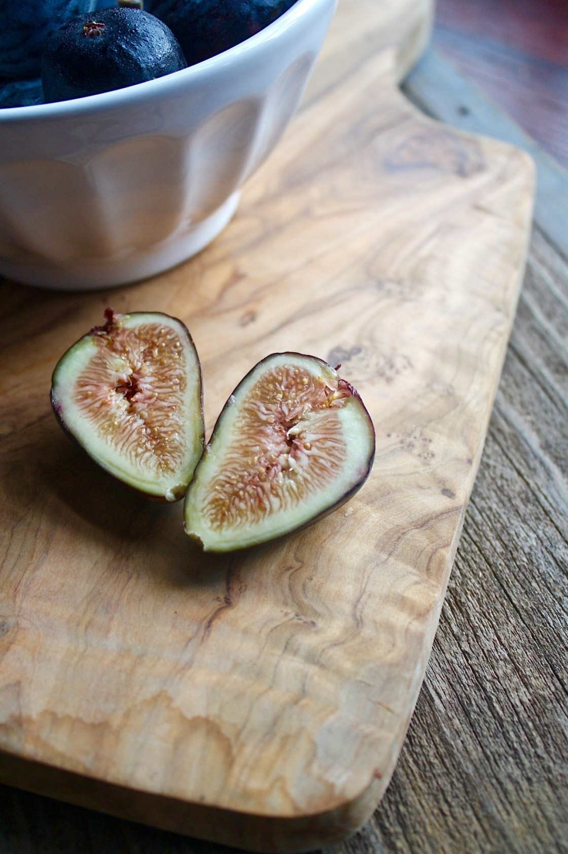 Sliced fresh fig, Honey Roasted Figs recipe | Zestful Kitchen