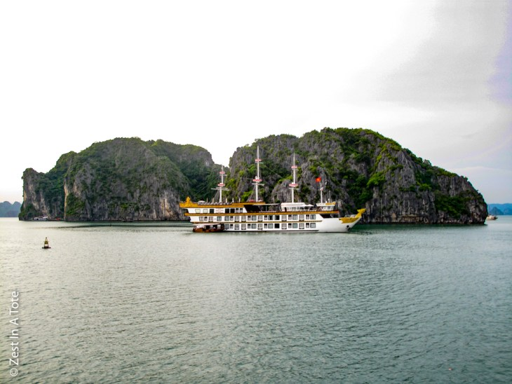 Best halong bay cruise, halong bay luxury cruise, bai tu long bay cruise, best halong bay cruise recommendation