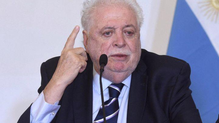 Elministro de Salud de la NaciónGinés González García se reunió con Matías Lammens y deslizó cuándo podría volver el fútbol argentino