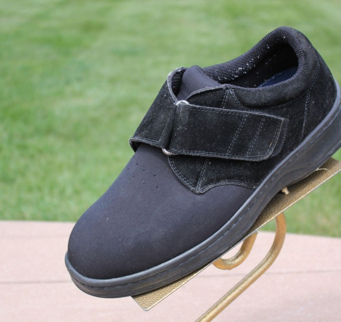 Men's Bio Fit by Orthofeet Black Velcro Diabetic Shoe Pre-Owned Size 8.5