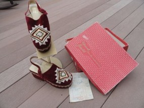 Vtg 70's Women's Platform Shoe Hand Embroidered Edouard Jerrold Suede Greece Box