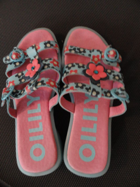 Oilily Leather & Plastic Blue Pink Girls Sandals Made In France Size 32 USA 2