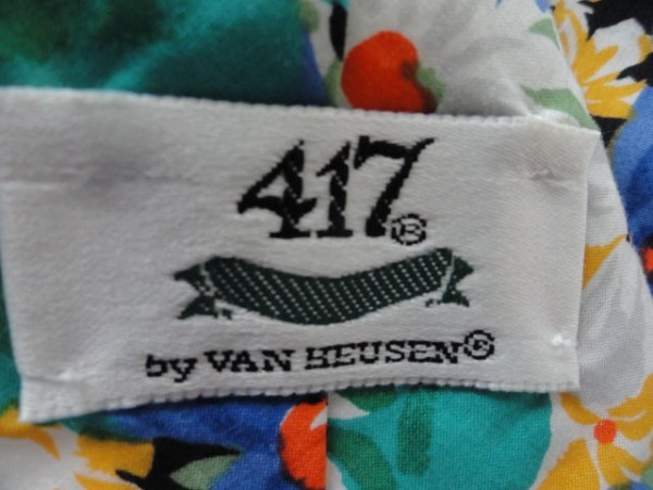 Vintage Men's 417 By VAN HUESEN Floral Tie Made In USA Of Imported Fabric